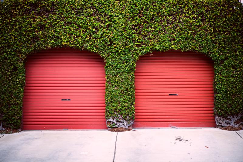 Red roller - Garage door prices guide